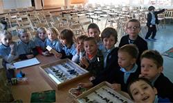 2293ddfd07 W dniu 9.12.2014 na halu szkoły odbyło się spotkanie z biologiem - panem  Jarkiem Haładuda. W barwnej i ciekawej prezentacji wzięły udział klasy 1